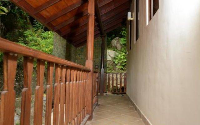 Отель Elephant Rock Cottage Унаватуна вид на фасад