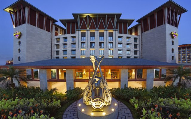 Resorts World Sentosa - Hard Rock Hotel Сингапур вид на фасад