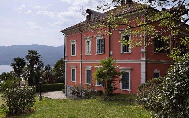 Отель Impero House Rent - Verbania Италия, Вербания - отзывы, цены и фото номеров - забронировать отель Impero House Rent - Verbania онлайн вид на фасад