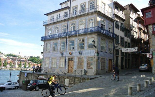 Апартаменты Douro Apartments - Rivertop вид на фасад