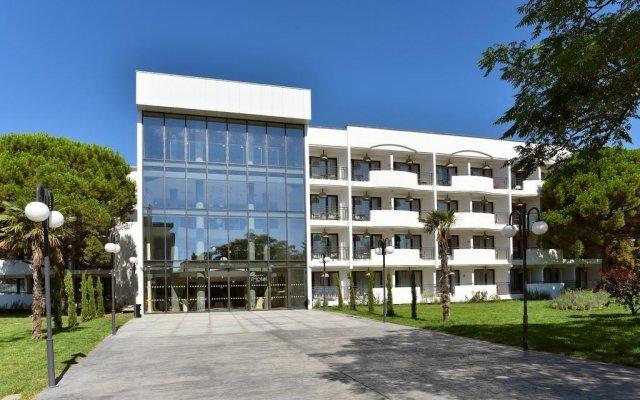Отель Ihot@l Sunny Beach Болгария, Солнечный берег - отзывы, цены и фото номеров - забронировать отель Ihot@l Sunny Beach онлайн вид на фасад