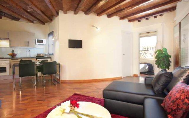 Отель Apbcn Gracia Terraced комната для гостей