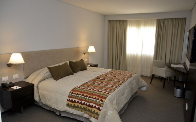 Howard Johnson by Wyndham Villa Carlos Paz 2