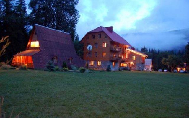 Гостиница Вилла Три Брата Украина, Розгирче - отзывы, цены и фото номеров - забронировать гостиницу Вилла Три Брата онлайн вид на фасад