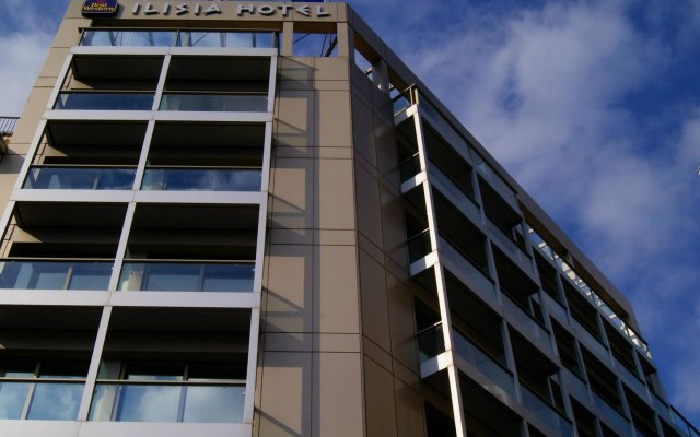 Отель Ilisia вид на фасад