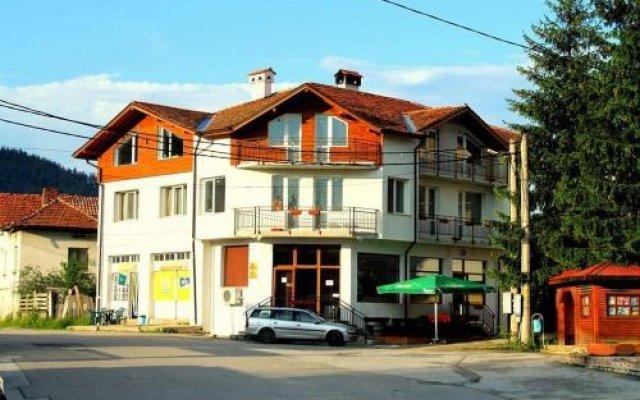 Отель Edelweiss Болгария, Боровец - отзывы, цены и фото номеров - забронировать отель Edelweiss онлайн вид на фасад