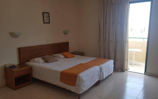 Mandalena Hotel Apartments Протарас комната для гостей