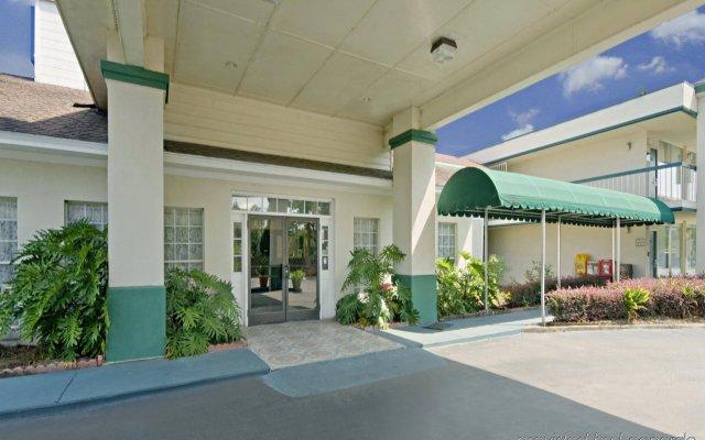 Отель Americas Best Value Inn-Marianna США, Марианна - отзывы, цены и фото номеров - забронировать отель Americas Best Value Inn-Marianna онлайн вид на фасад