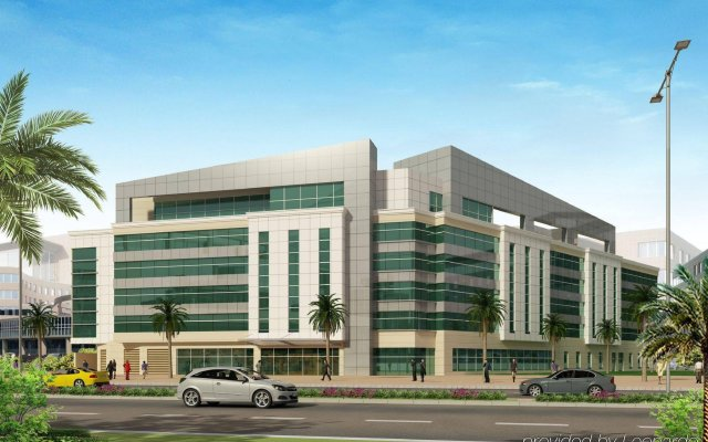 Отель Holiday Inn Express Dubai Airport вид на фасад