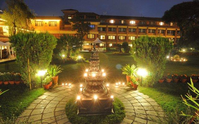 Отель Shangri La Hotel Непал, Катманду - отзывы, цены и фото номеров - забронировать отель Shangri La Hotel онлайн вид на фасад