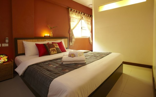 Отель Pannee Lodge Таиланд, Бангкок - отзывы, цены и фото номеров - забронировать отель Pannee Lodge онлайн вид на фасад