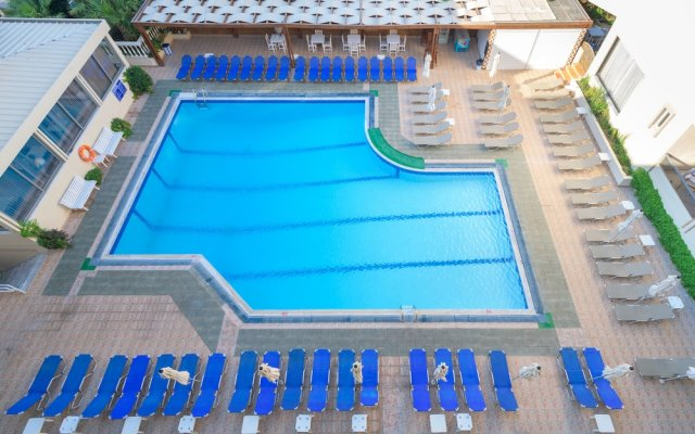 Island Resorts Marisol Hotel - All Inclusive вид на фасад