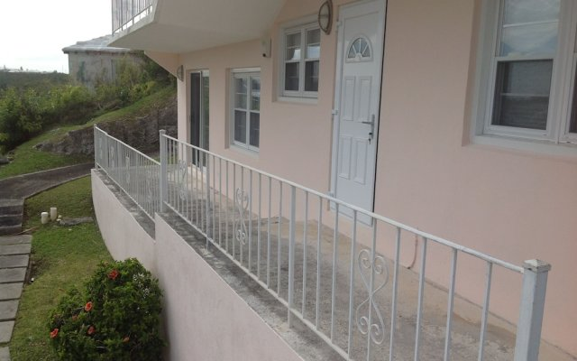 Central Apartment in Devonshire, Bermuda from 191$, photos, reviews - zenhotels.com hotel front