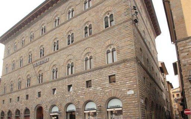 Отель B&B La Signoria Di Firenze вид на фасад