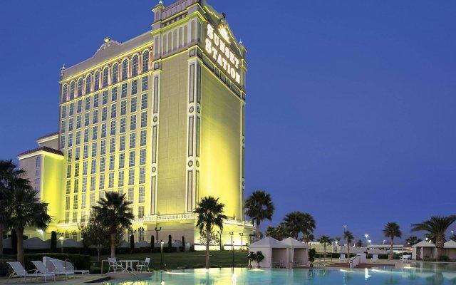 Отель Sunset Station Hotel & Casino США, Хендерсон - отзывы, цены и фото номеров - забронировать отель Sunset Station Hotel & Casino онлайн вид на фасад