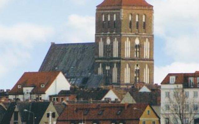 Hotel Altes Hafenhaus вид на фасад