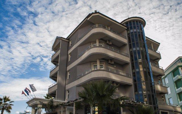 Отель Vila Verde Beach Дуррес вид на фасад