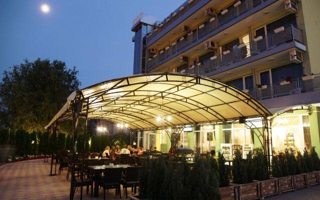 Отель Zaara Болгария, Солнечный берег - отзывы, цены и фото номеров - забронировать отель Zaara онлайн вид на фасад