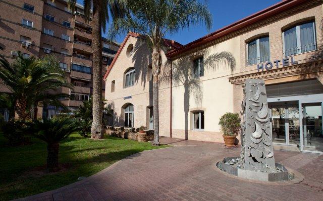 Отель Checkin Valencia Валенсия вид на фасад