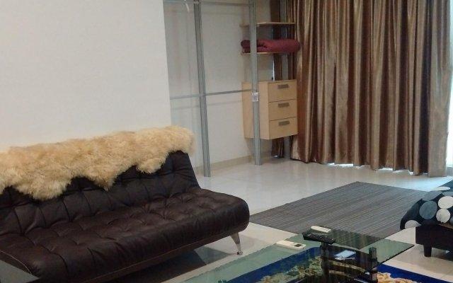 Отель LH Apartment @ Regalia Малайзия, Куала-Лумпур - отзывы, цены и фото номеров - забронировать отель LH Apartment @ Regalia онлайн комната для гостей