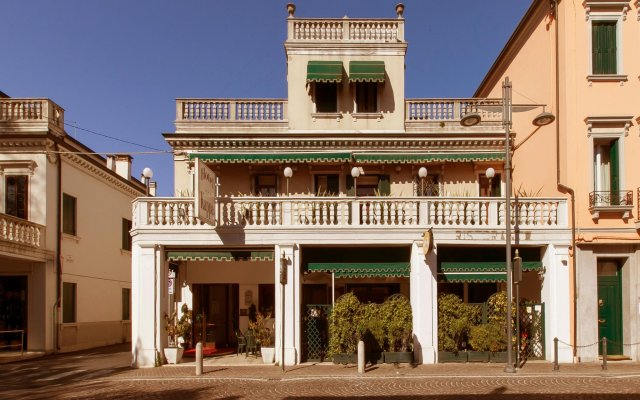 Hotel Kappa вид на фасад