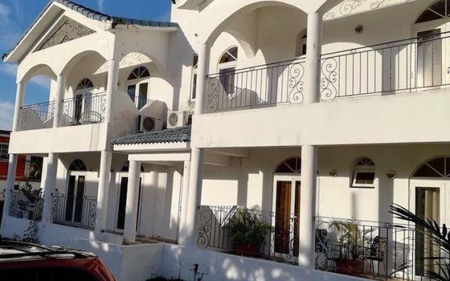 Отель House With one Bedroom in Boca Chica, With Wonderful City View and Pool Access - 600 m From the Beach Бока Чика вид на фасад