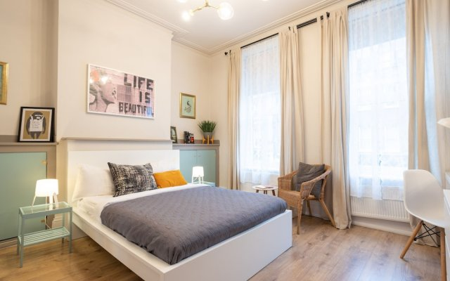 Хостел Bloomsbury Rooms with Shared Bathrooms вид на фасад