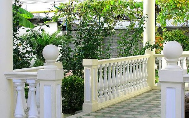 Отель Лазурь Сочи вид на фасад