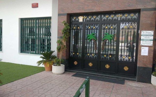 Отель Hostal El Palmeral Ориуэла вид на фасад