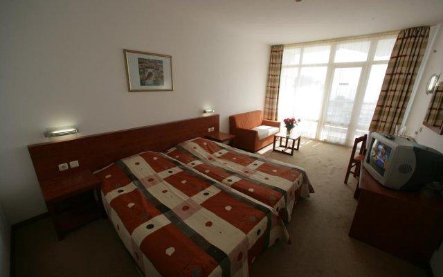 Hotel Fenix - Halfboard