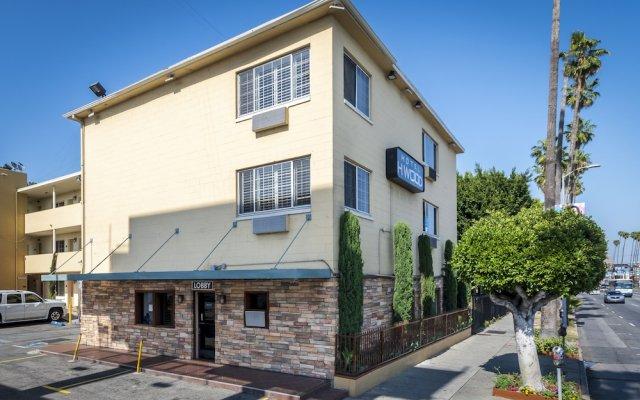 Отель Comfort Inn Near the Sunset Strip США, Лос-Анджелес - отзывы, цены и фото номеров - забронировать отель Comfort Inn Near the Sunset Strip онлайн вид на фасад