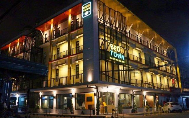 Bed@town Hostel Бангкок вид на фасад