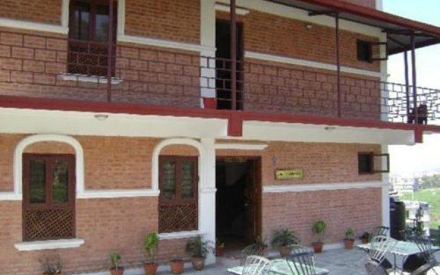 Отель Laxmi's Bed And Breakfast Непал, Катманду - отзывы, цены и фото номеров - забронировать отель Laxmi's Bed And Breakfast онлайн вид на фасад