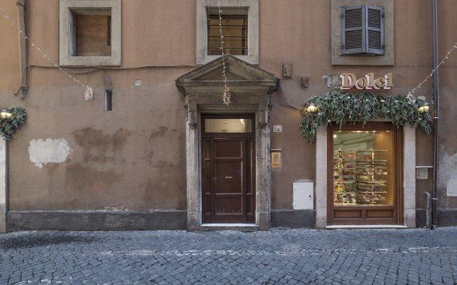 Отель Montecitorio & Pantheon Stylish Flat вид на фасад