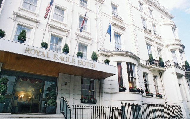 Royal Eagle Hotel вид на фасад