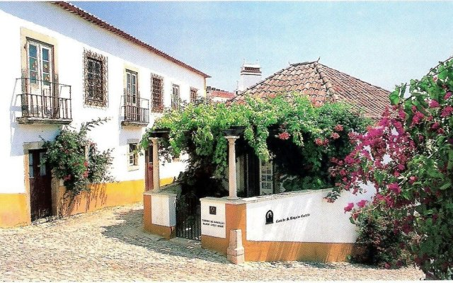 Отель Casa de S. Thiago do Castelo вид на фасад