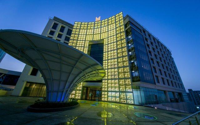 Отель Grand Millennium Muscat вид на фасад