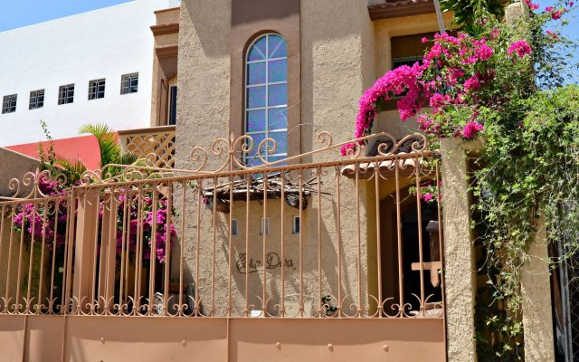 Отель Casa Diva Bed & Breakfast Мексика, Сан-Хосе-дель-Кабо - отзывы, цены и фото номеров - забронировать отель Casa Diva Bed & Breakfast онлайн вид на фасад