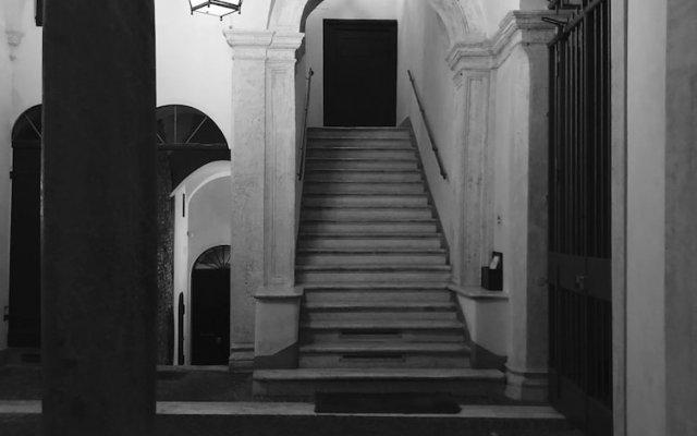 Отель Domus Celentano вид на фасад