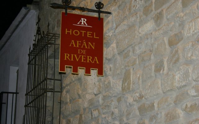 Hotel Afán De Rivera Убеда вид на фасад