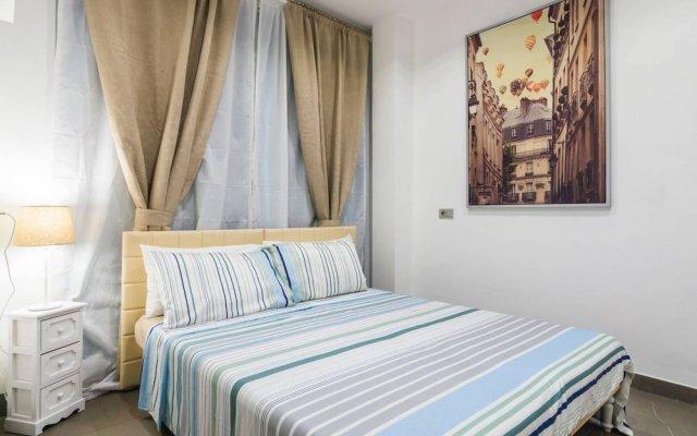 Отель Luxury 5 Bedrooms In The Heart of Milan вид на фасад