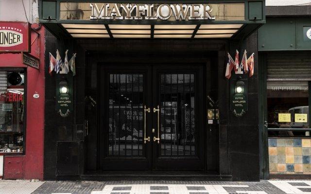 Отель Mayflower Suites вид на фасад