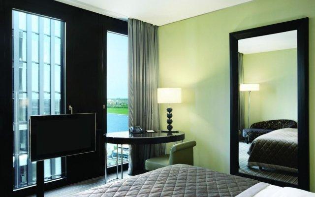 Отель Hyatt Regency Düsseldorf Германия, Дюссельдорф - отзывы, цены и фото номеров - забронировать отель Hyatt Regency Düsseldorf онлайн удобства в номере