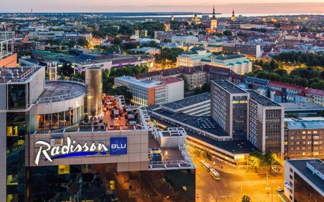 Radisson Blu Sky Hotel, Tallinn вид на фасад