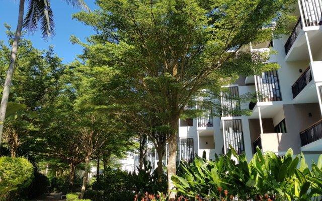 Отель Holiday Inn Resort Phuket Mai Khao Beach вид на фасад