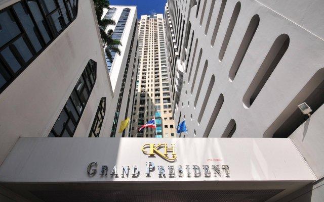 Отель Grand President Bangkok вид на фасад