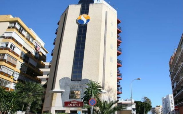 Отель Medina Azahara Торремолинос вид на фасад