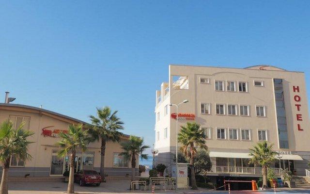 Aragosta Hotel & Restaurant 0