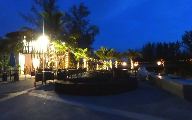 Отель Le Coral Hideaway Beyond Phuket вид на фасад