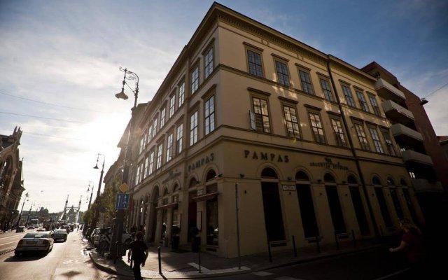 Отель Grand Market Luxury Apartments Венгрия, Будапешт - отзывы, цены и фото номеров - забронировать отель Grand Market Luxury Apartments онлайн вид на фасад